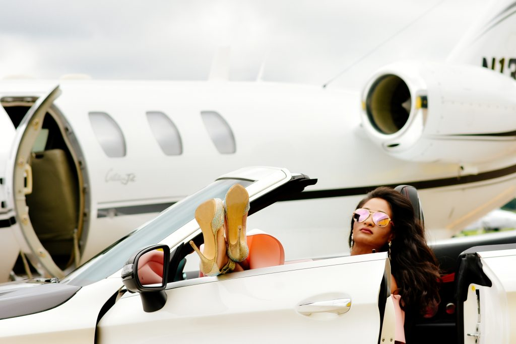 Do Private Jets Need 2 Pilots?